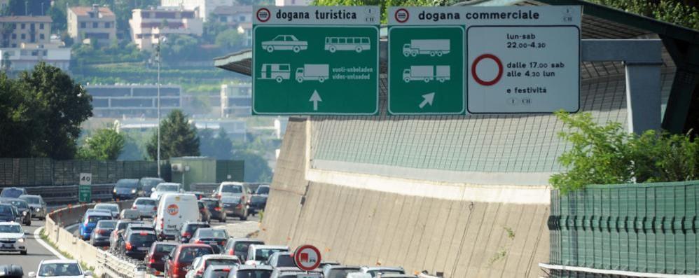 Armani lascia il Ticino  Quaranta senza lavoro