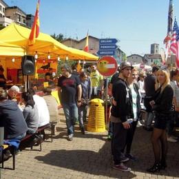 Folla a Erba per piante, fiori e street food  «Che successo, mai vista tanta gente»