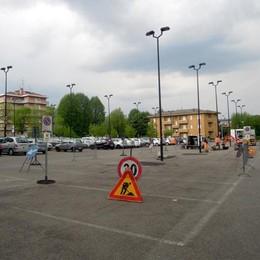 «No ai bus sotto le finestre di casa»  Protesta a Cantù contro il capolinea