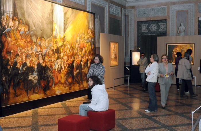Como Villa Olmo visitatori alla mostra L'abbraccio di Vienna