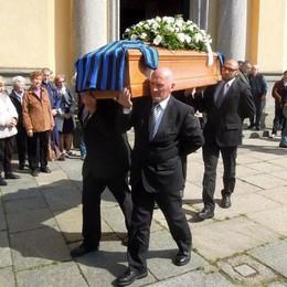 """L'addio di Caslino d'Erba al """"Baffo""""  «Salutaci Facchetti e Prisco»"""