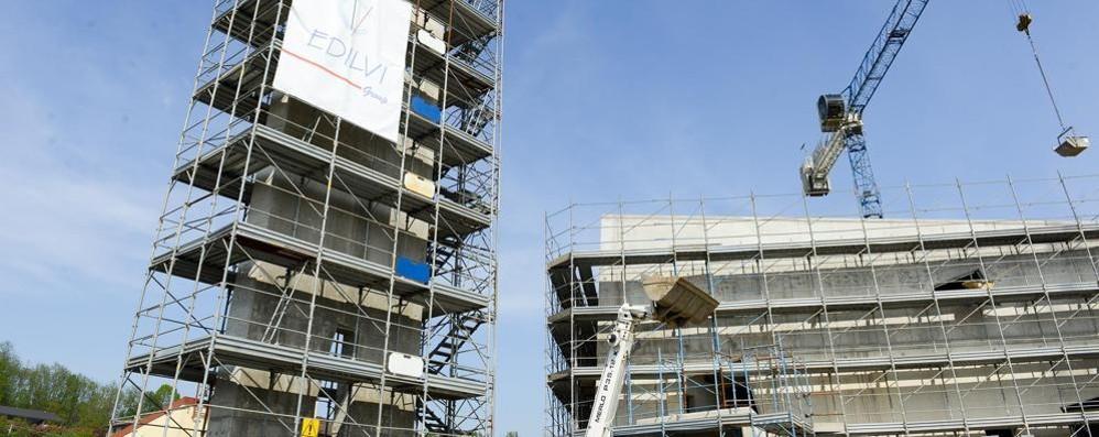 Cantiere record ad Andrate  La chiesa ha già il campanile
