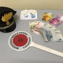 Nascondeva la cocaina nella lavatrice Spacciatore arrestato a Domaso