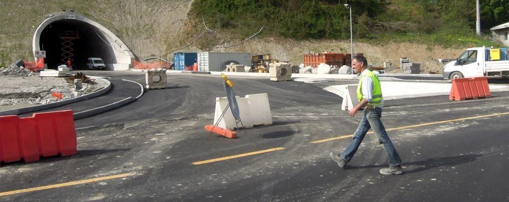 Pusiano, rotonde asfaltate  La Provincia sistemerà il resto