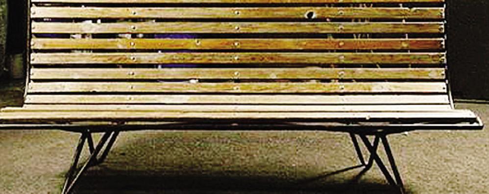 Panchine Di Marmo O A Forma Di Bara E C E Chi Rimpiange Il Design