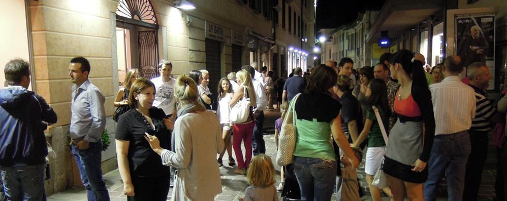 A Cantù lo shopping del venerdì sera   Da maggio, con più negozi ed eventi