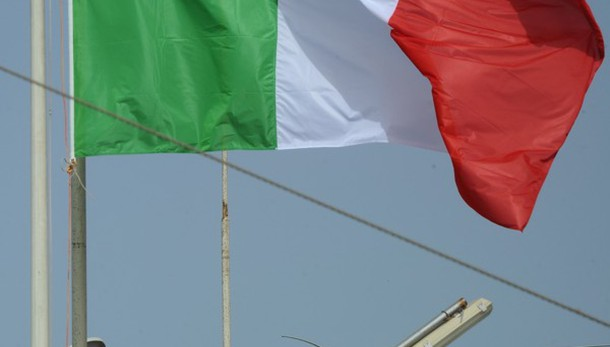 Bandiere Italia bruciate a Tobruk, Derna