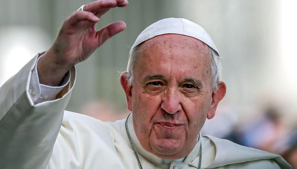 Papa apre a sacramenti a risposati