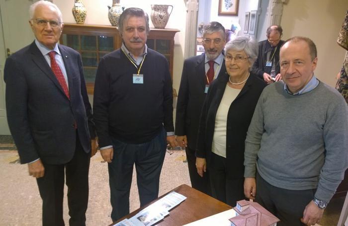 Antonio Lucchini, Marco Noseda, presidente dell'associazione, il vice presidente,   Piera Lucchini, e il sindaco di Cernobbio Paolo Furgoni