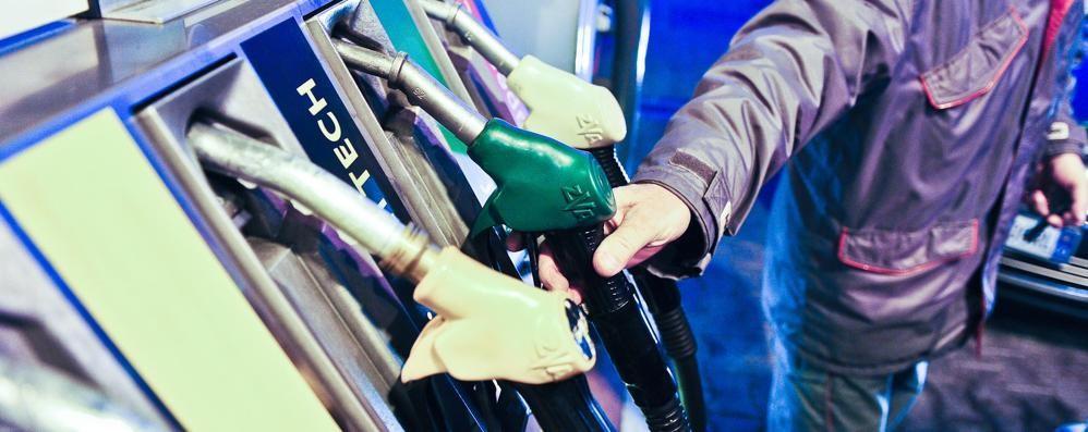 «Sconto benzina, tutto risolto»  Funzionano anche le nuove card