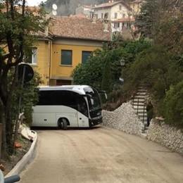 Traffico, basta caos nel borgo di Bellagio  Nasce il percorso obbligato a senso unico