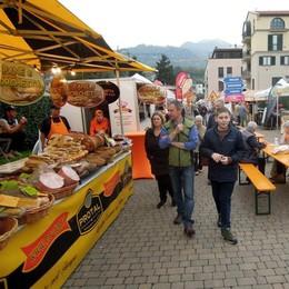 Via alla festa di colori e sapori  A Erba i fiori e lo street food