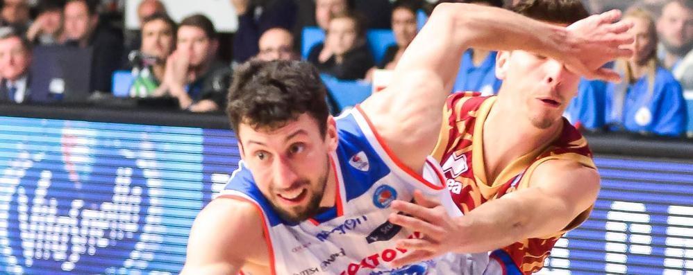 Promessa Ukic: «Faremo di tutto per togliere i playoff a Varese»