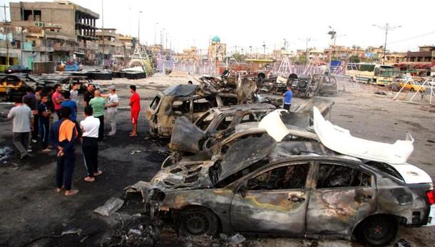 Tre autobomba a Baghdad, almeno 86 morti