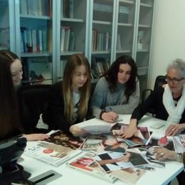 Tess, riunione di redazione  con le studentesse del Gallio