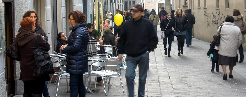 Il centro punta sullo shopping  Cantù, area pedonale extralarge