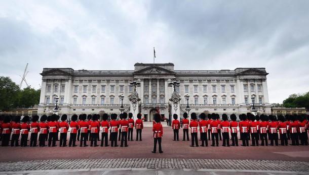 Intruso a Buckingham Palace è omicida