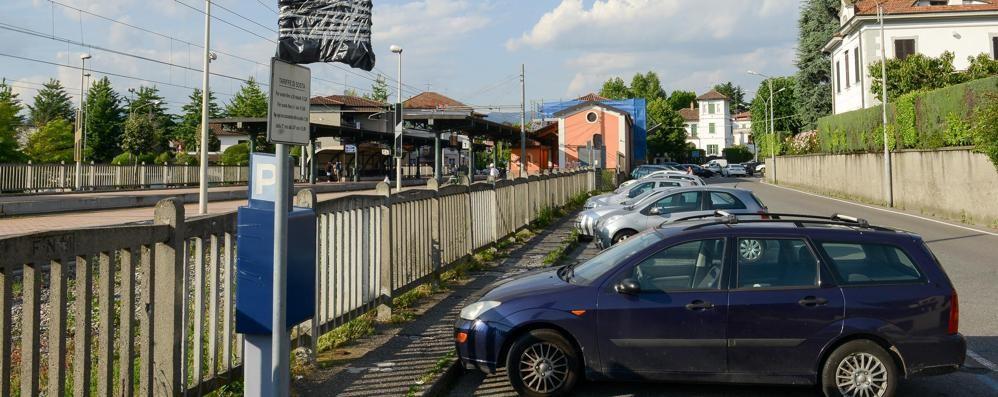 Parcheggi a pagamento a Fino  Il Comune «Ora li gestiamo noi»