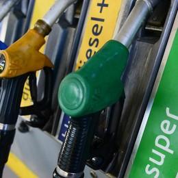 Automobilisti, brutte notizie In rialzo i prezzi della benzina