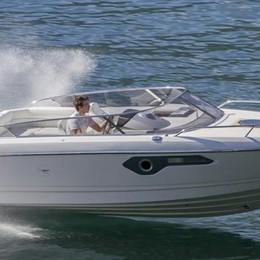 Lezzeno, la barca nuova è una bomba  «Ma i turisti vogliono solo l'usato»