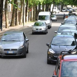 Cantù, Trasloca la fermata  Arrivano 20 posti in viale Madonna