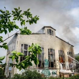 Como incendio al Santarella ex Ticosa