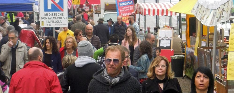 Street food al parco a Erba  «Concorrenza sleale dalle bancarelle»