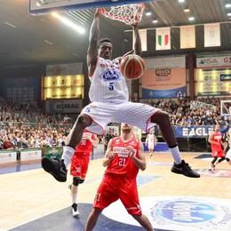 Basket, Milano su Abass Cantùadesso trema