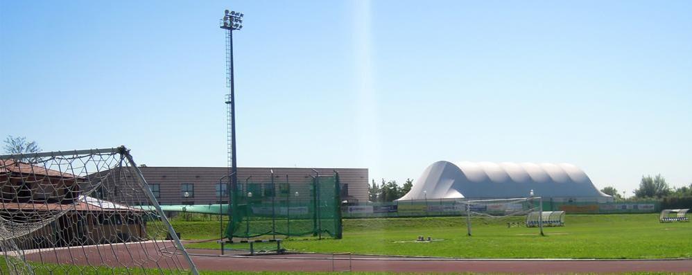 Basta buche sul campo da calcio  A Mariano l'area per lanciare il martello