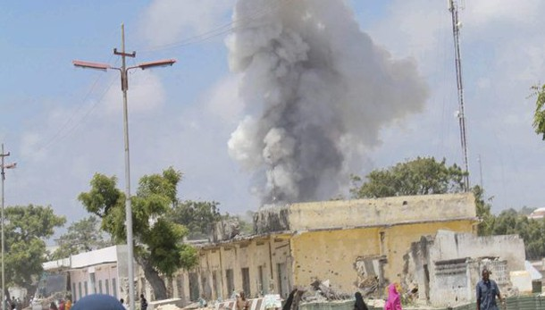 Esplosione e spari in hotel a Mogadiscio
