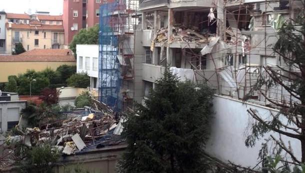 Due giovani morti in esplosione Milano