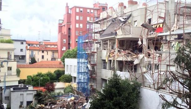 Esplosione a Milano,3 morti 9 ricoverati