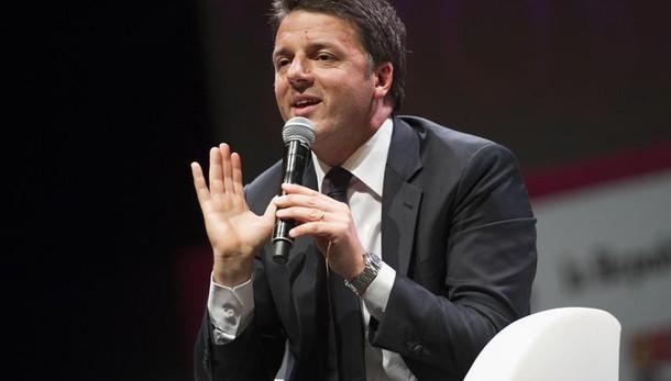 Renzi, domani si pagano tasse, di meno