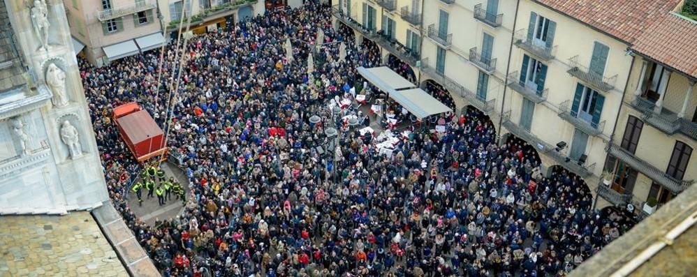 Como, gli eventi in piazza  Telecamere per contare la folla