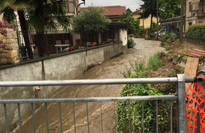 MARIANO - la roggia è fuoriuscita all'altezza di via Cappelletti