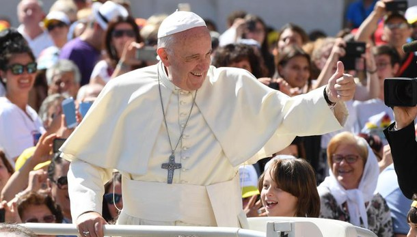 Euro 2016: Papa benedice gli Azzurri