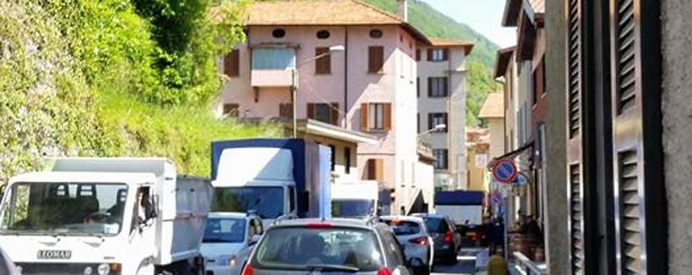 """Statale Regina, vertice anti caos  Ecco gli """"osservatori del traffico"""""""