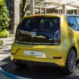 Tremezzina: la piccola Volkswagen  si presenta a Ossuccio