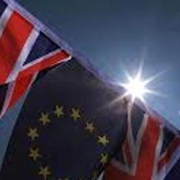 """""""Leave"""" o """"Remain"""". Il giorno della Brexit  L'Europa in ansia"""