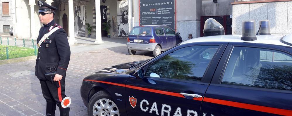 Insulti e botte ai carabinieri  Svizzero finisce in cella