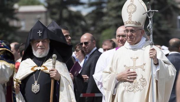 Papa: omaggio a vittime armene genocidio