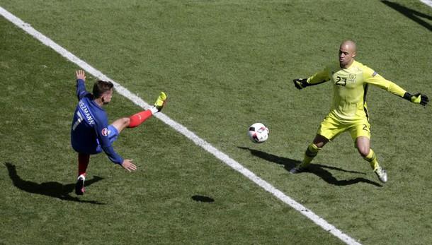 2-1 all'Irlanda: Francia ai quarti