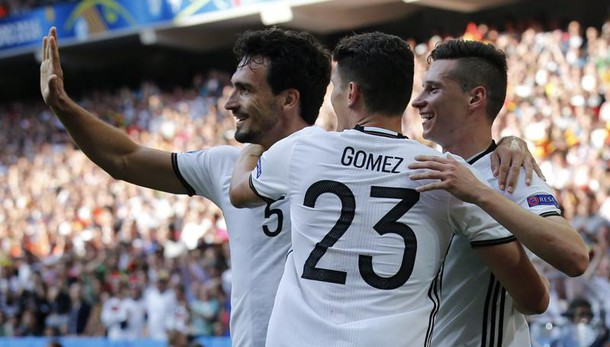 Germania ai quarti, 3-0 alla Slovacchia