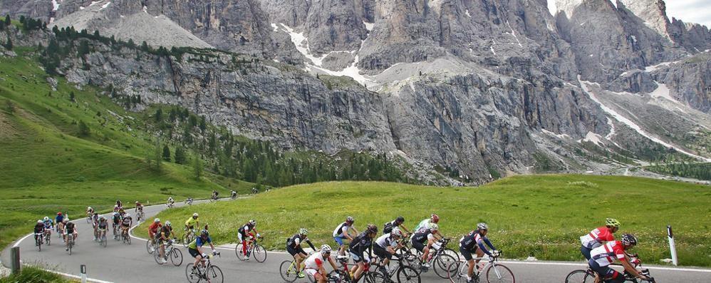 Maratona delle Dolomiti  Il sogno di 52 comaschi