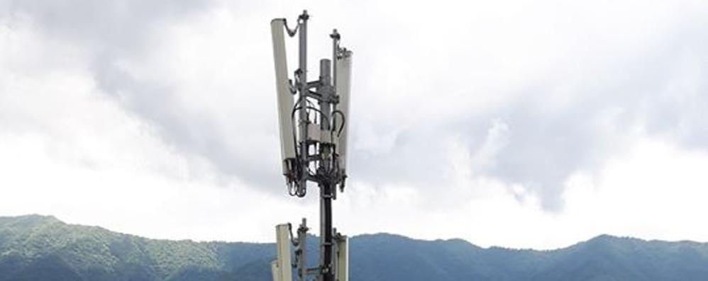 Meno soldi a Laglio da Telecom  Il sindaco: «Allora tolga l'antenna»