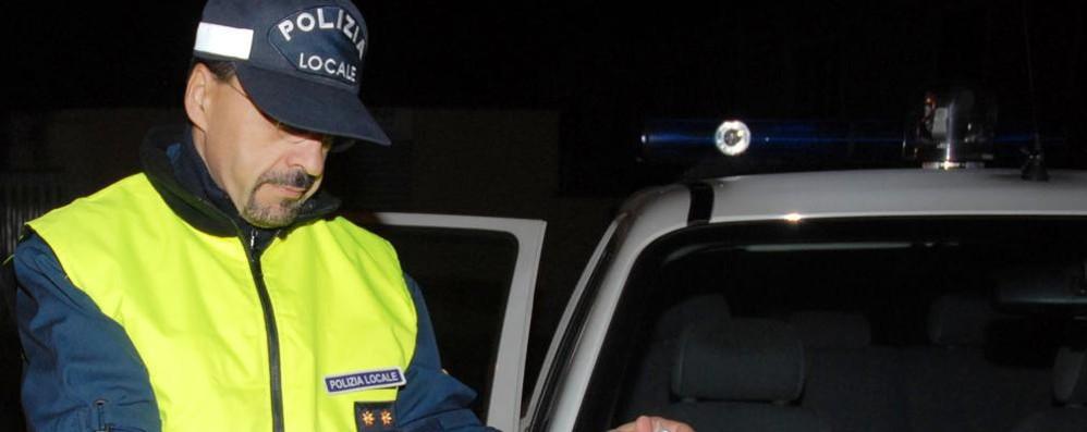 In sette ubriachi sul furgone  Addio al celibato e alla patente