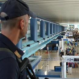 Allarme terrorismo per turisti e viaggi  Controlli in aeroporti, stazioni, chiese