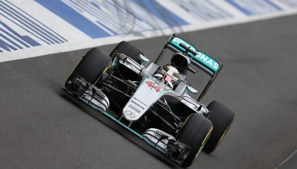 F1: Gb, 1/o Hamilton, Ferrari indietro