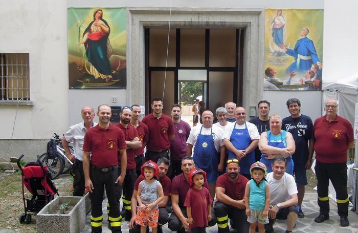 Foto di gruppo per i volontari