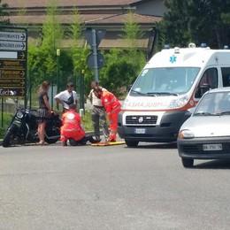 Gasolio sulla strada tra Erba e Merone  Motociclista su Harley scivola e si ferisce